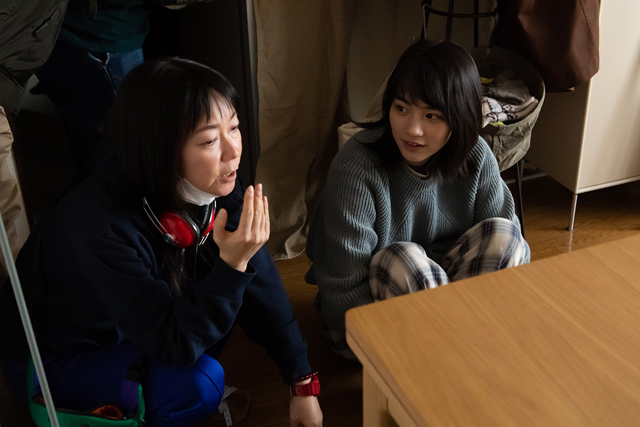9月29日(火)19時解禁「私をくいとめて」メイキング写真-(002)