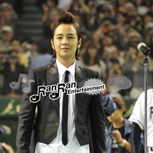 チャン・グンソク、日韓ドリームゲームで国歌独唱!