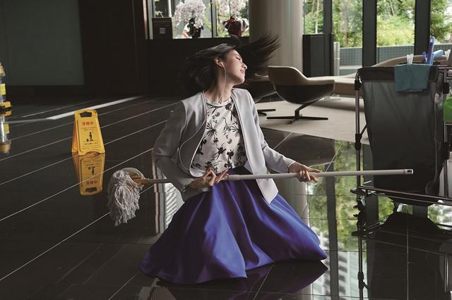 【7月12日(金)正午解禁】『ダンスウィズミー』三吉彩花がエアギターs