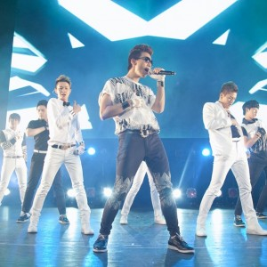 ZE:A 「SPECIAL MOVIE SHOW with ZE:A」開催、洗練された姿にファン魅了!