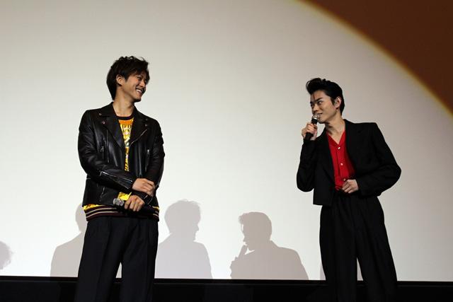 smallキセキ大阪舞台挨拶4(左から松坂桃李、菅田将暉)S