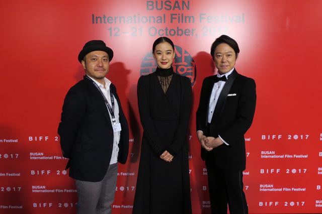 釜山国際映画祭レッドカーペット模様メイン1