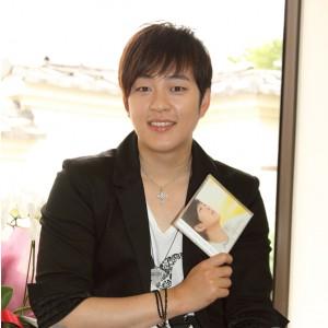 インタビュー:パク・クァンヒョン『Dear...』で日本メジャーデビュー♪♪
