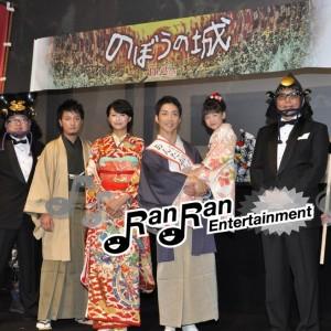 『のぼうの城』舞台挨拶、野村萬斎と上地雄輔がスピーチ対決!