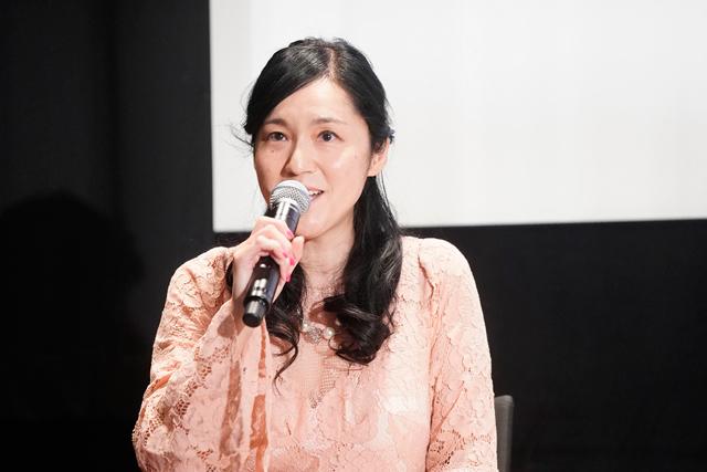 1207「私をくいとめて」イベント_牛窪さん1ショット写真-(002)
