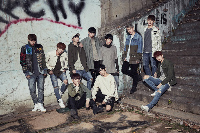 up10tion_burst_artistphoto-1