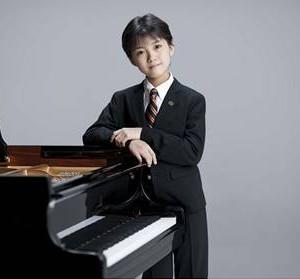 牛田智大(うしだ ともはる)2曲のタイアップを含むピアノ名曲集、急遽発売決定!!